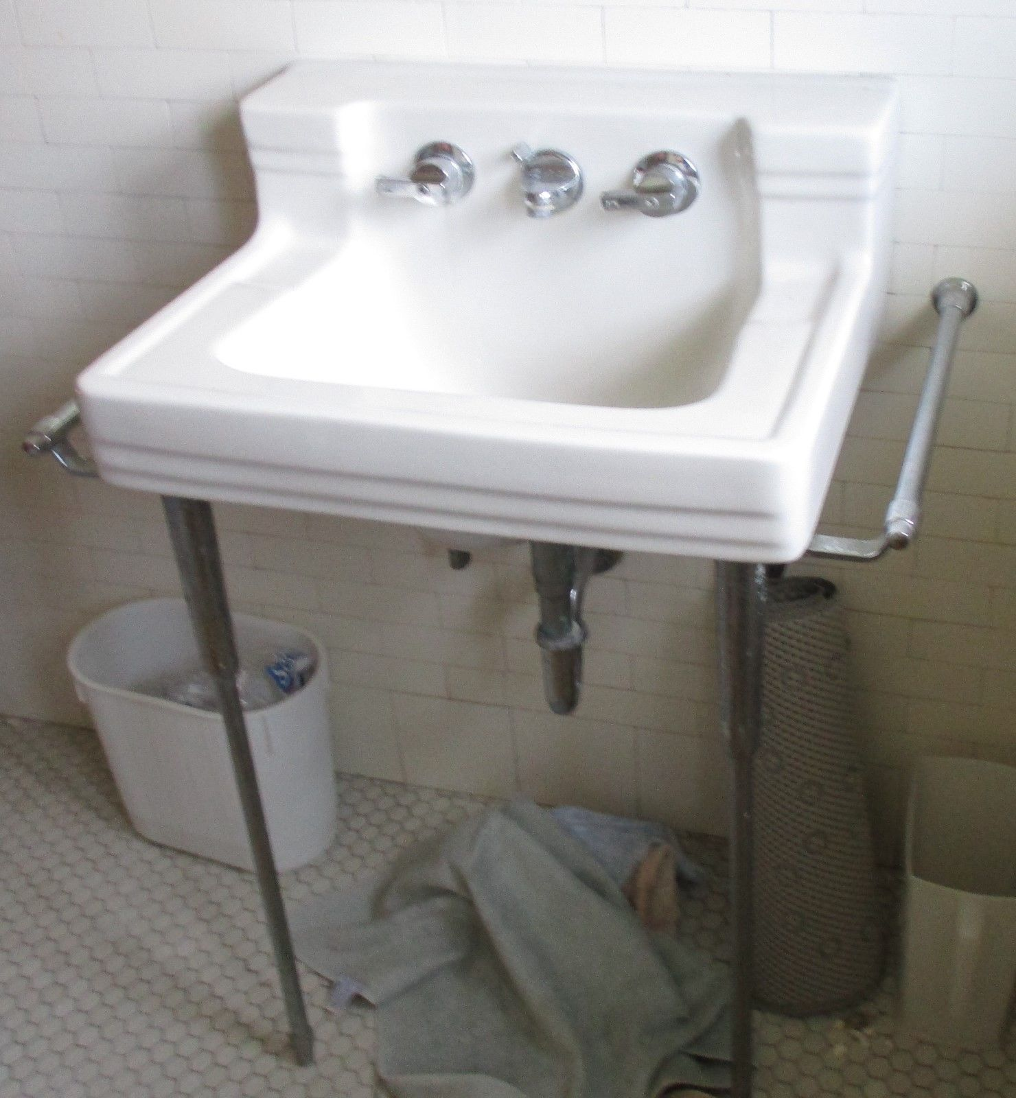 Vintage American Standard White Porcelain Sink W Wall Mount