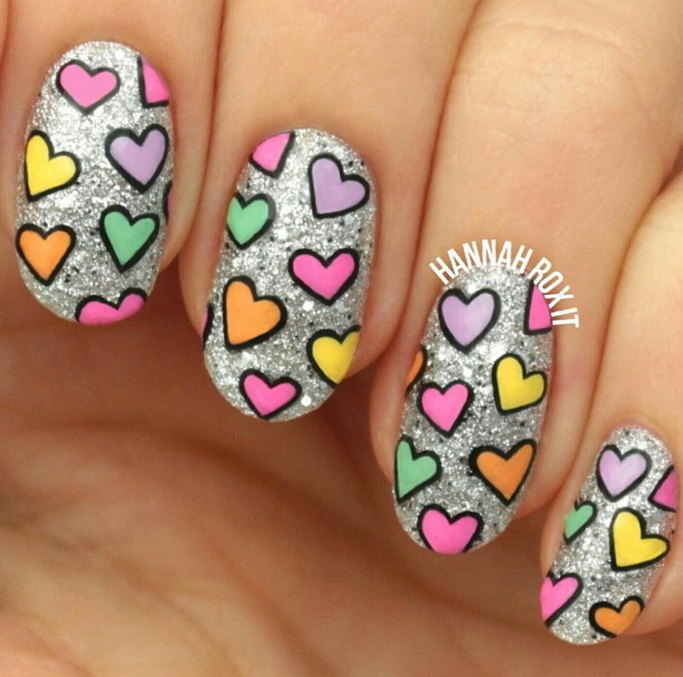 Cute heart / Valentine\'s day nail art | Ten Tiny Canvases (23 ...