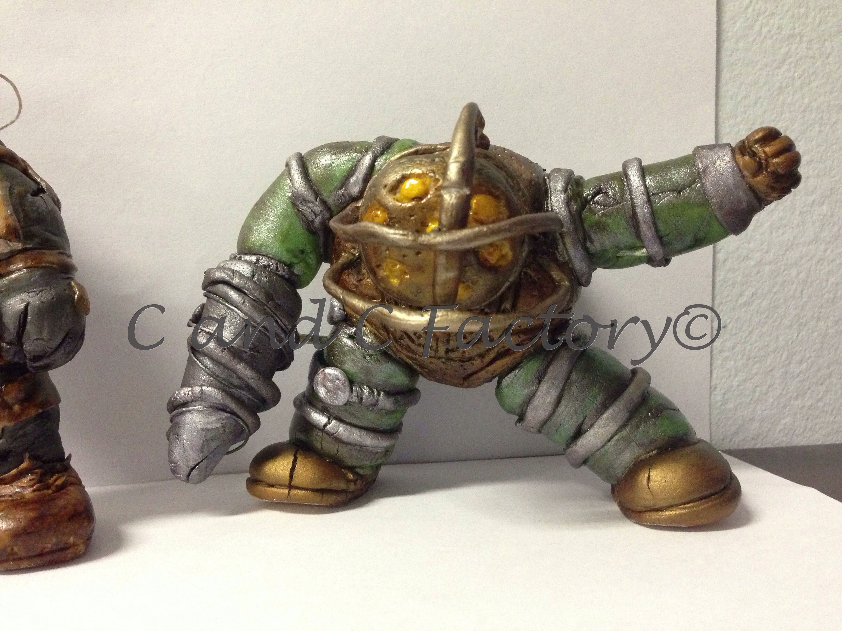Fondant Bioshock Big Daddy by C and C Factory Available to order in our Etsy Shop https://www.etsy.com/shop/CandCFactory