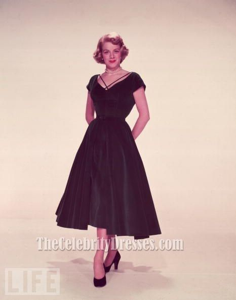 Watching White Christmas, I remembered how much I ADORE this dress. Rosemary Clooney Green Cocktail Dress In White Christmas 1954
