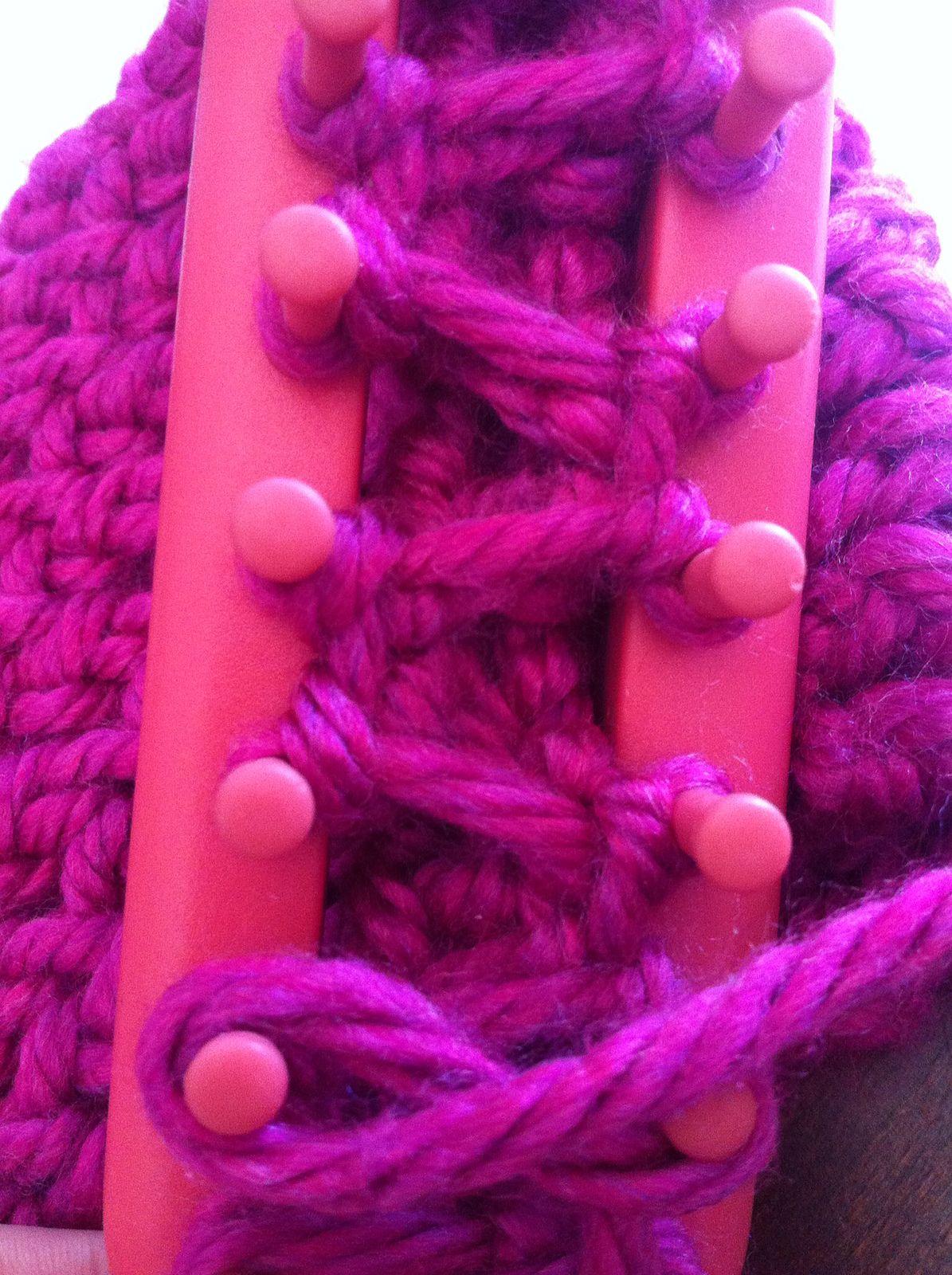 Loom Knitting: Braid Knit stitch | Loom knitting, Loom ...