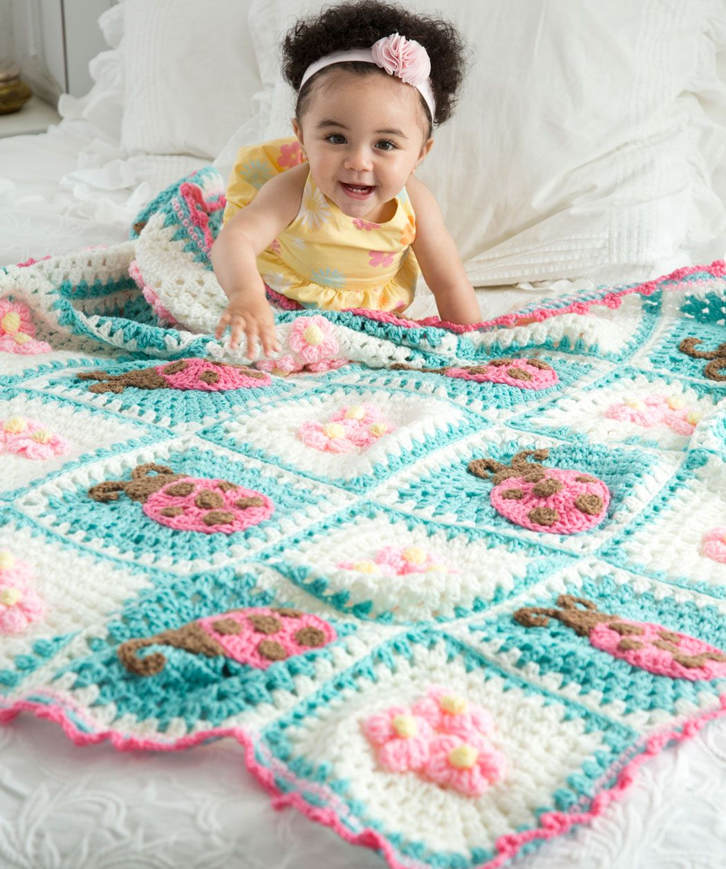 Bugs and blooms blanket crochet pattern red heart everytime i bugs and blooms blanket free crochet pattern at red heart designed by terry day bankloansurffo Image collections