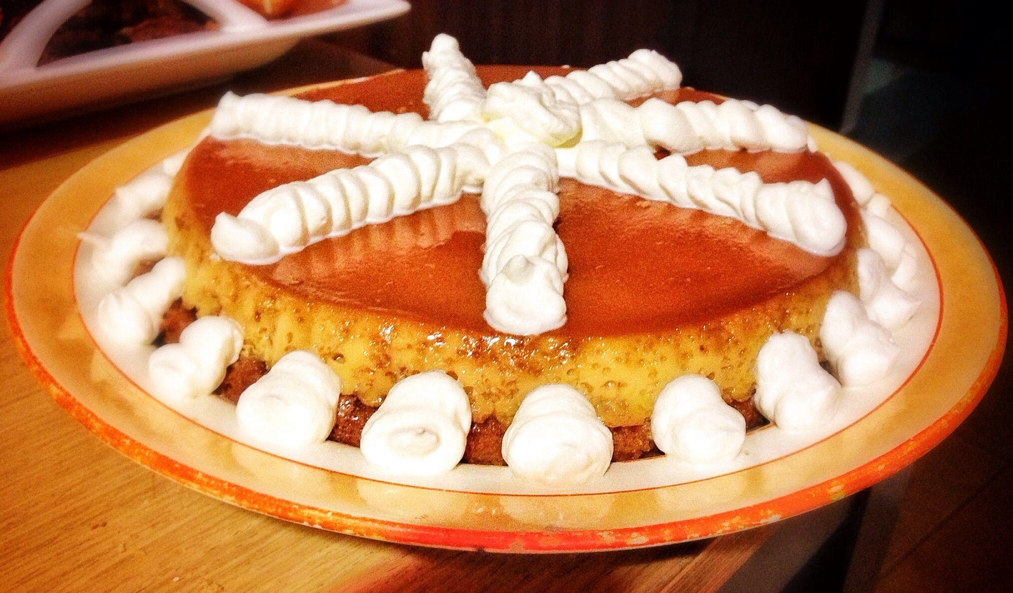 Pastel de Almendras con Tocinillo de Cielo