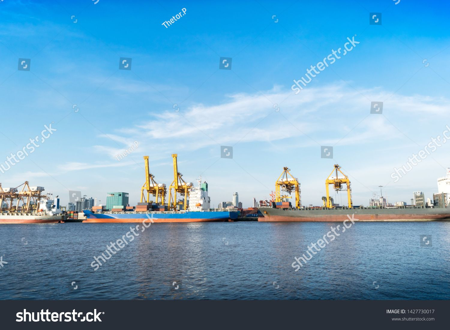 Transportation Of Oil Natural Gas Waterways By Transport Vessels Sponsored Sponsored Natural Oil Transportation Gas In 2020 Nature Waterway Stock Photos