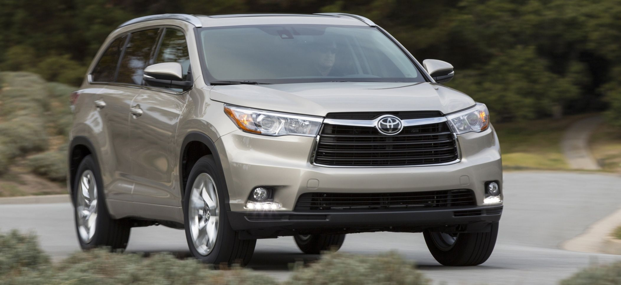 2017 toyota highlander side view silver color cool cars pinterest toyota and cars