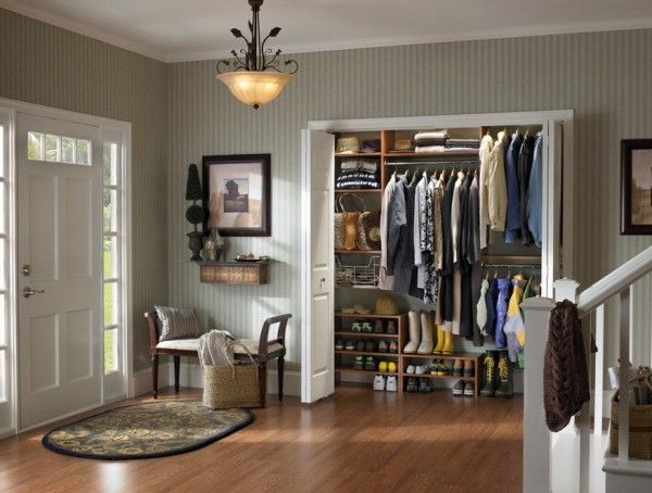 Efficiently Organizing Your Closet To Find Your Items Quicker Closet Remodel Entryway Closet Entry Closet