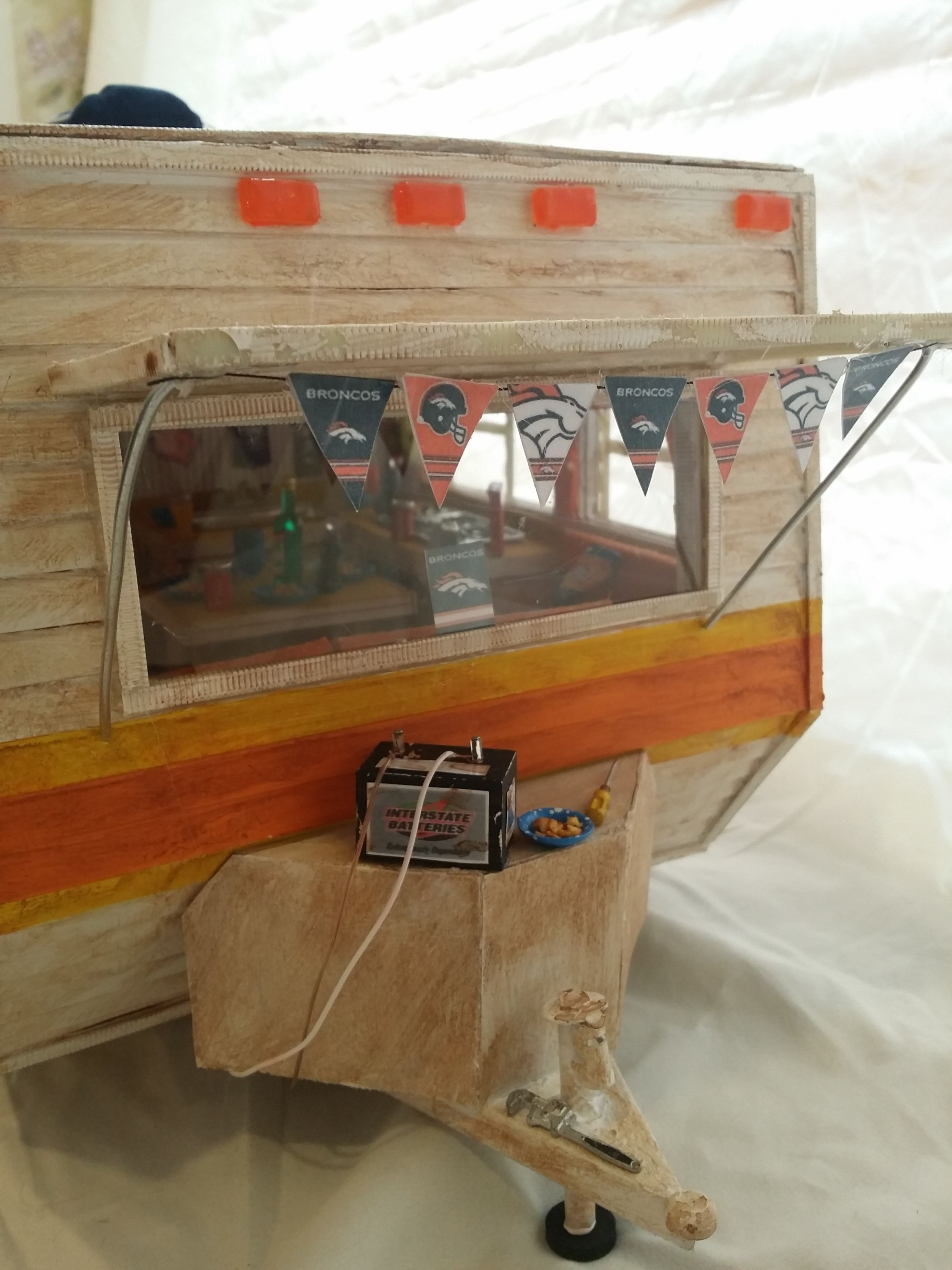 Miniature Bronco Party Travel Trailer from greggsminiatureimaginations.blogspot.com