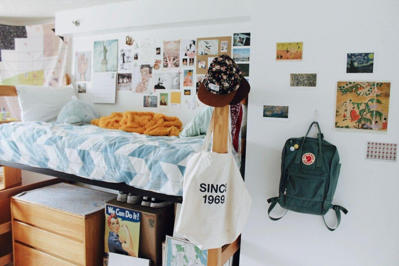 I highkey want a loft bed again lmao bedrooms for Dormitorios de universidades