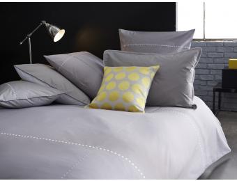 linge de lit gris blanc brod parure de lit linge. Black Bedroom Furniture Sets. Home Design Ideas