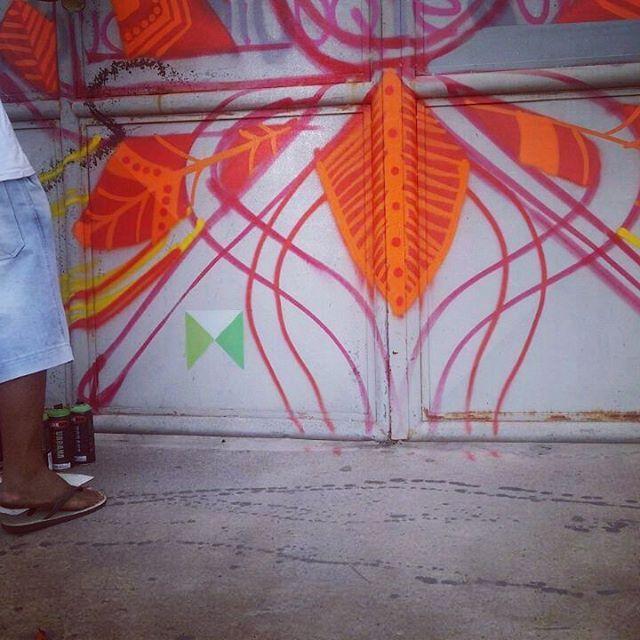 """@ixlutx no Instagram: """"#gaf #graffitiartefeira #ixlutx #steelgate #portadeaço #freehand #mãolivre #tecnorganics"""""""