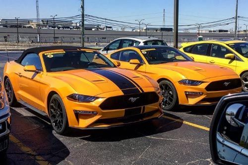 2018 ford gt350r. perfect ford hereu0027s how the 2018 ford mustang looks in orange fury  throughout ford gt350r