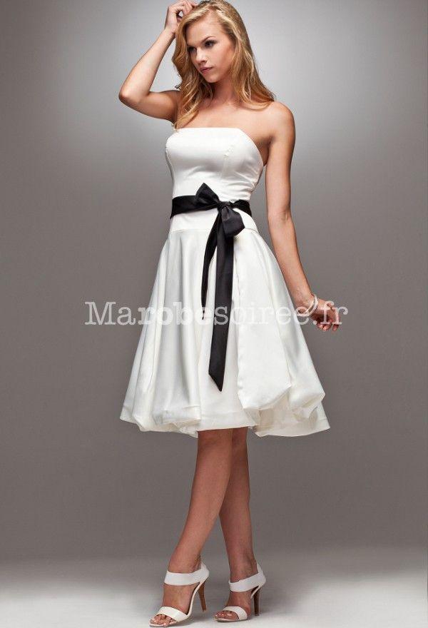Robe bustier blanche avec ceinture noir