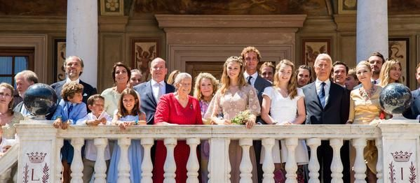 Pierre Casiraghi and Beatrice Borromeo as a newlywed couple. Beatrice is wearing a pink dress of @MaisonValentino