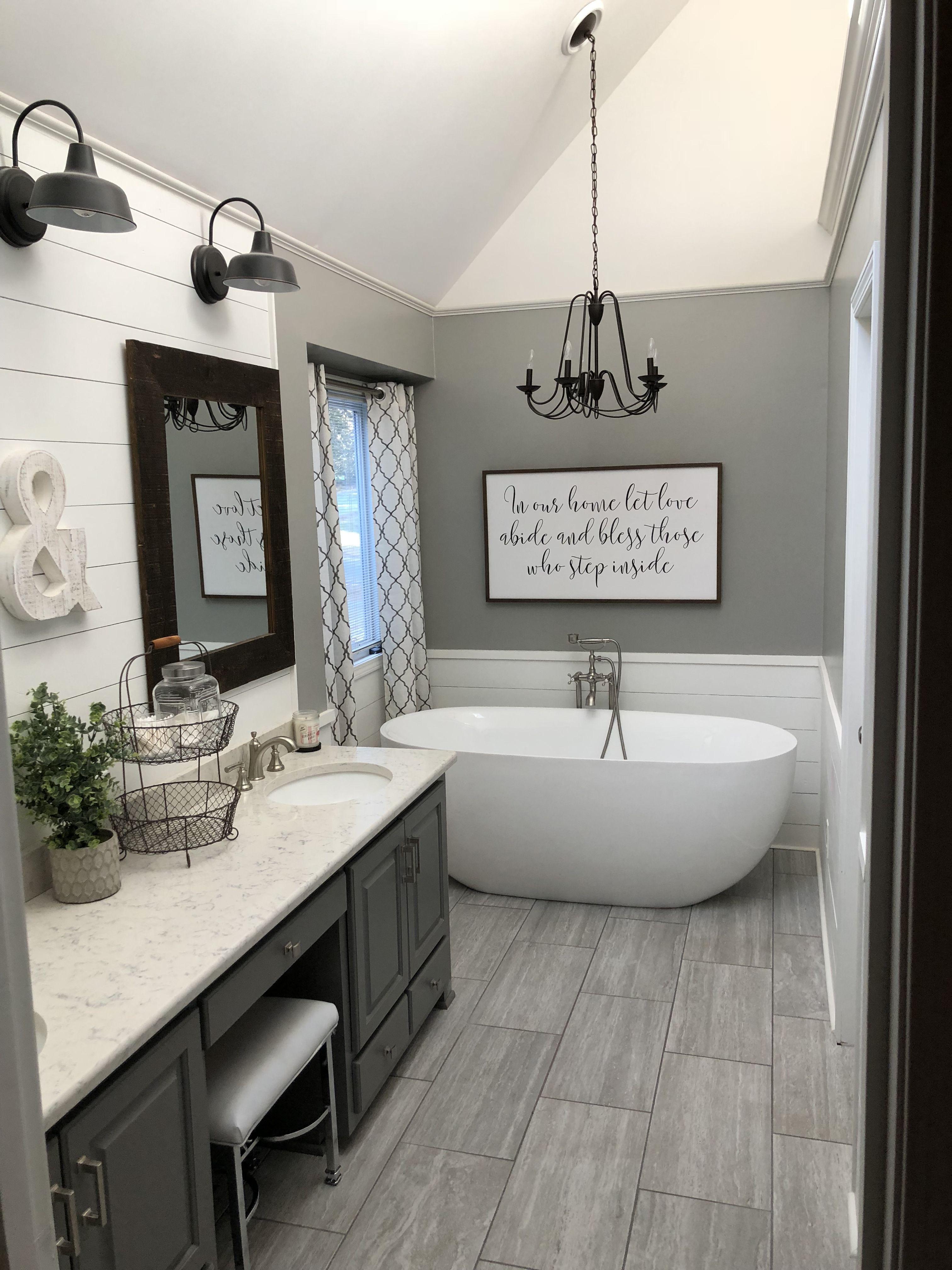 Master bath farmhouse style | Farmhouse bathroom decor ...