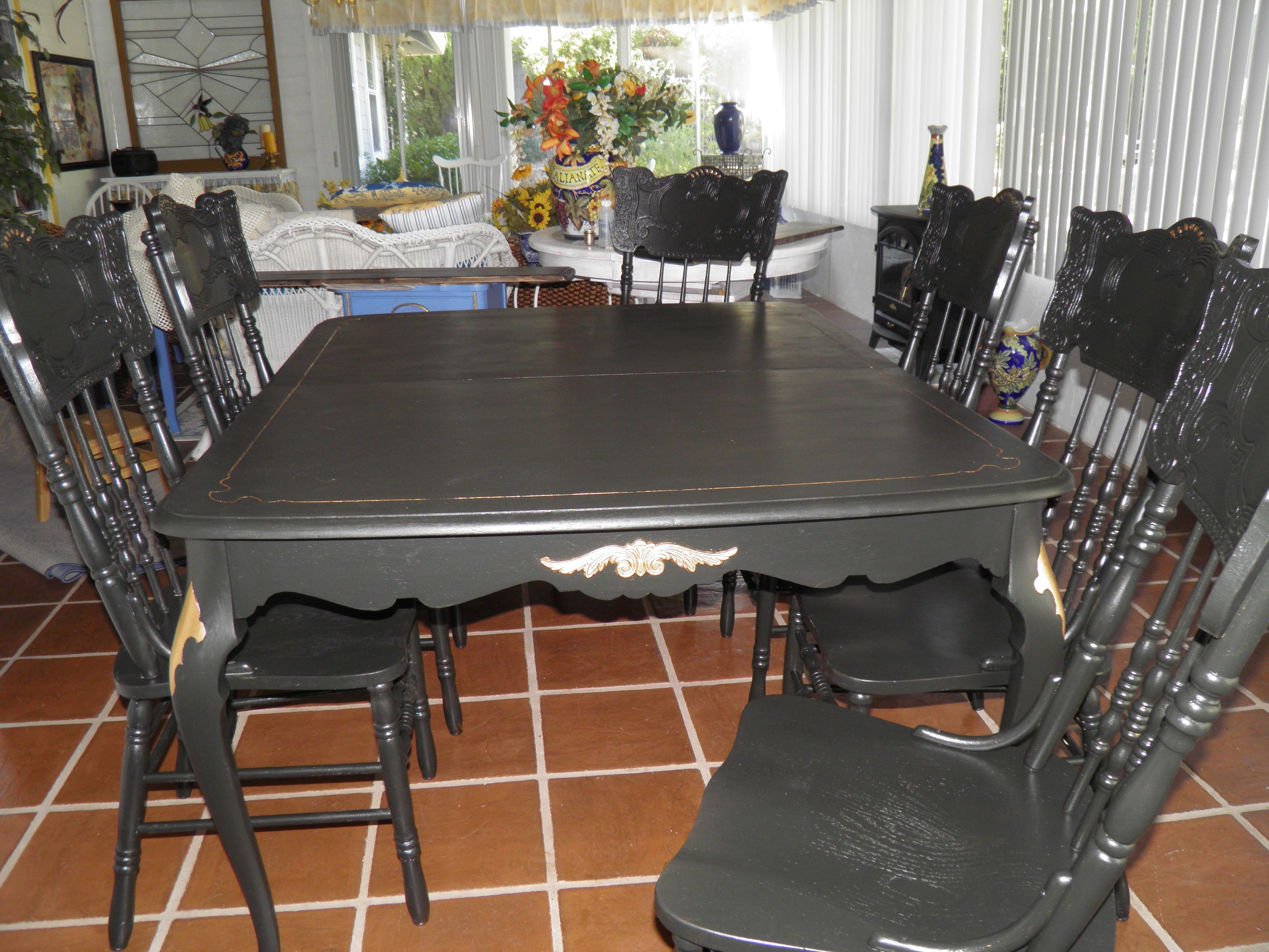 Found The Dining Room Table On Craigslist And The 6 Chairs At A Garage Sale Painted Everything And Sold It Dining Room Table Repurposed Furniture Room