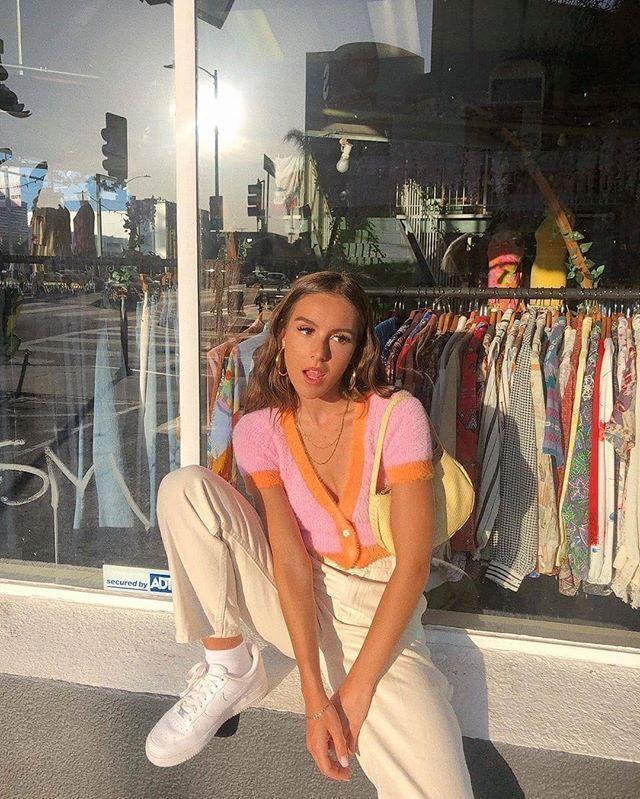 """Photo of Mode für die Jugend auf Instagram: """"//// Emma Leger. . #freshfits #streetwear """""""