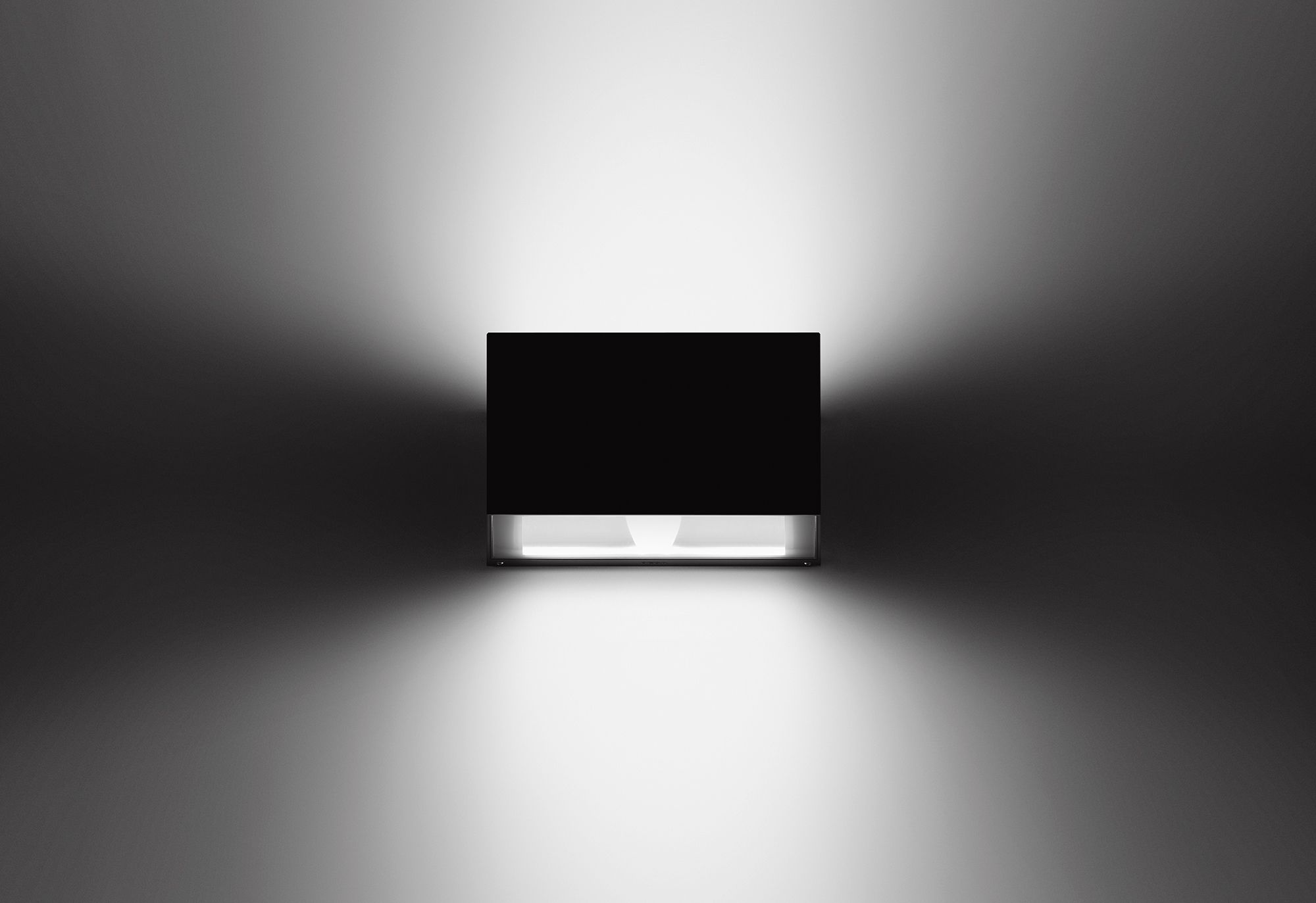 Luminaire Indirect avec led wall luminaire; designed for direct/indirect lighting effects in