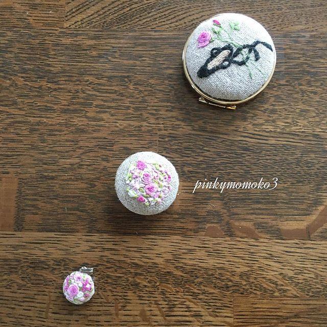. . 花刺繍で色々。。。 . #embroidery #flowerembroidery #handembroidery #handmade #花刺繍