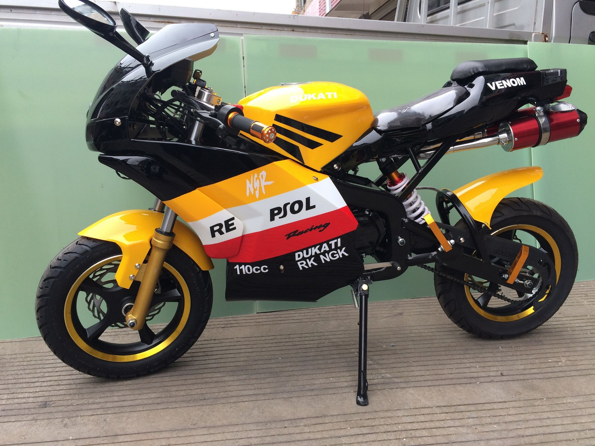 Super pocket bike x19 4 gears 2016 repsol limited edition moped 125cc x19 super pocket bike 4 gears 2016 repsol limited edition freerunsca Images