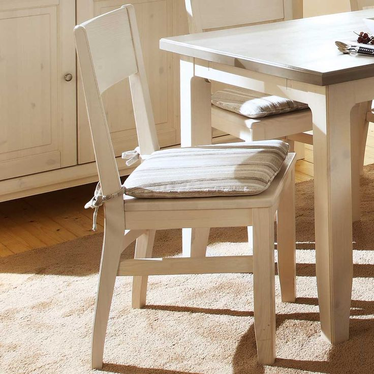 Holzstuhl aus weißem Kieferholz Jetzt bestellen unter