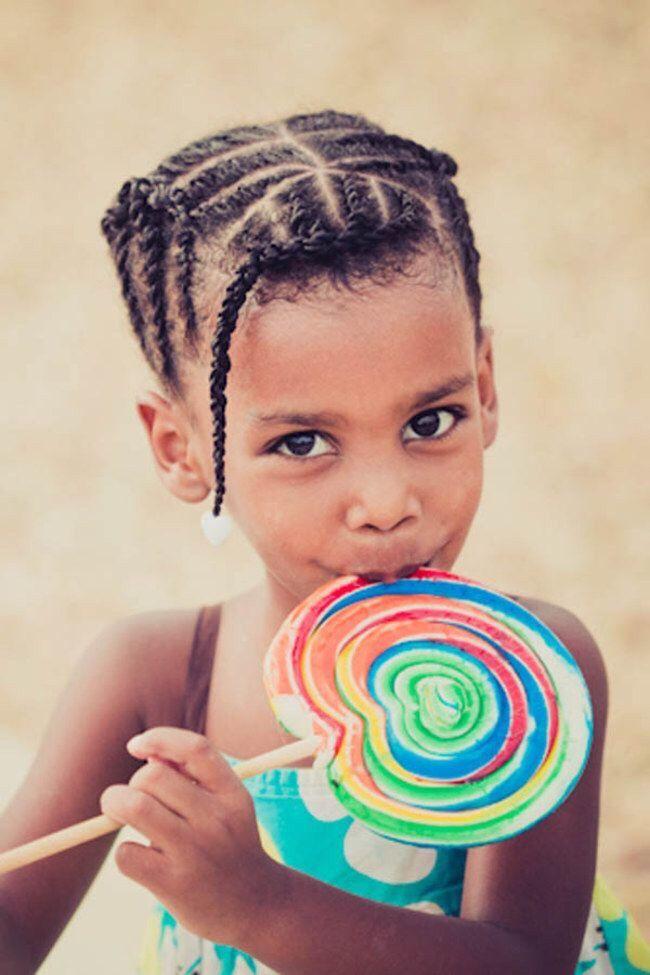 30 idées de coiffure pour fillettes aux cheveux afro