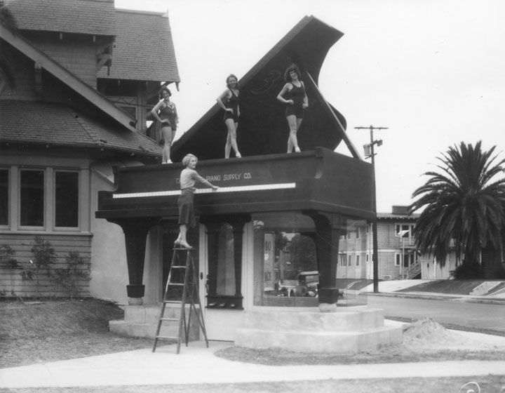 1920s 1930s mimetic architecture in los angeles time for Architecture 1920