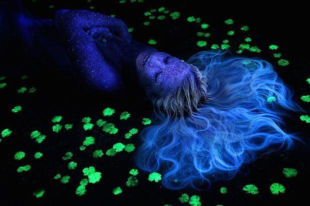 Bodyscapes Spectacular Black Light Body Art Photography By John Poppleton Body Art Photography Backlight Photography Body Art