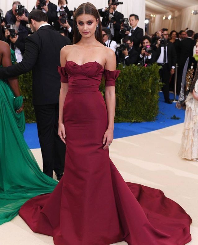 93023244a (40)  MetGala hashtag on Twitter Red Carpet Gowns