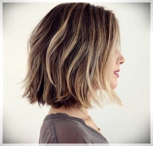 Bob Haircut 2019 Trends And Photosshort And Curly Haircuts Medium Hair Styles Thick Hair Styles Choppy Bob Hairstyles