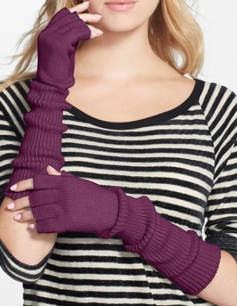 purple fingerless gloves http://rstyle.me/n/r2mhnpdpe