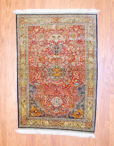 What A Bold And Beautiful Rug Beautiful Rug Rugs Oriental Rug
