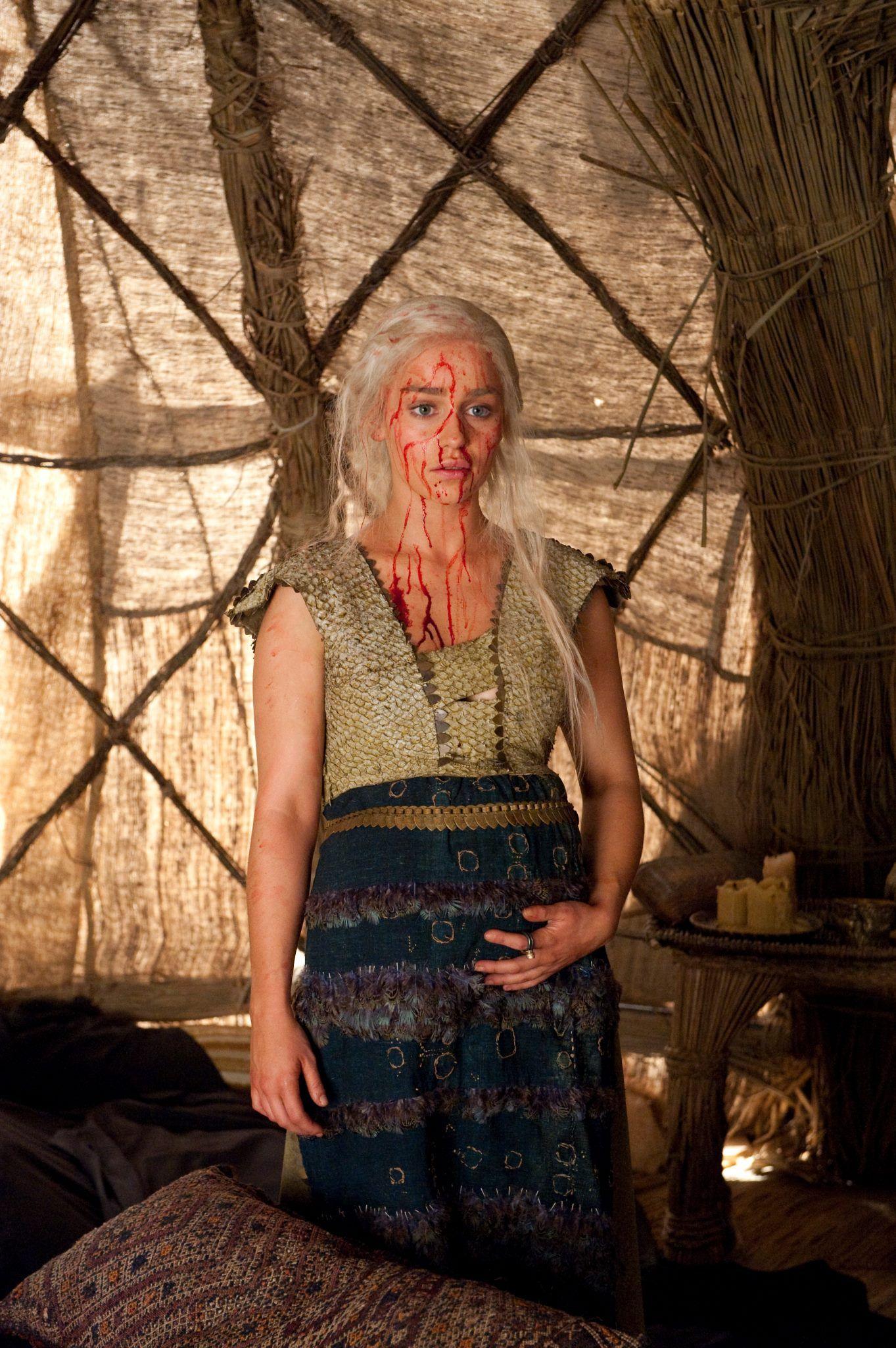 Daenerys targaryen and khal drogo wallpaper daenerys targaryen wedding - This Was One Of The Saddest Moments That Witch Kills Drogo S Horse Used Black Game Of Thrones Episodesiron Thronedaenerys Targaryenemilia