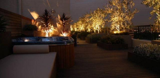 Dachterrasse begrünen-ideen effekte-Licht-nachts | Schöne Terrassen ...