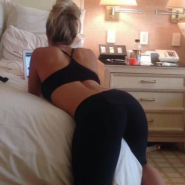 tight yoga pants - Google-søk | yoga pants girls | Pinterest ...