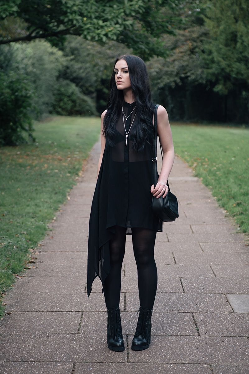 7cb931a177eb Fashion blogger Stephanie of FAIIINT wearing H M chiffon asymmetric shirt