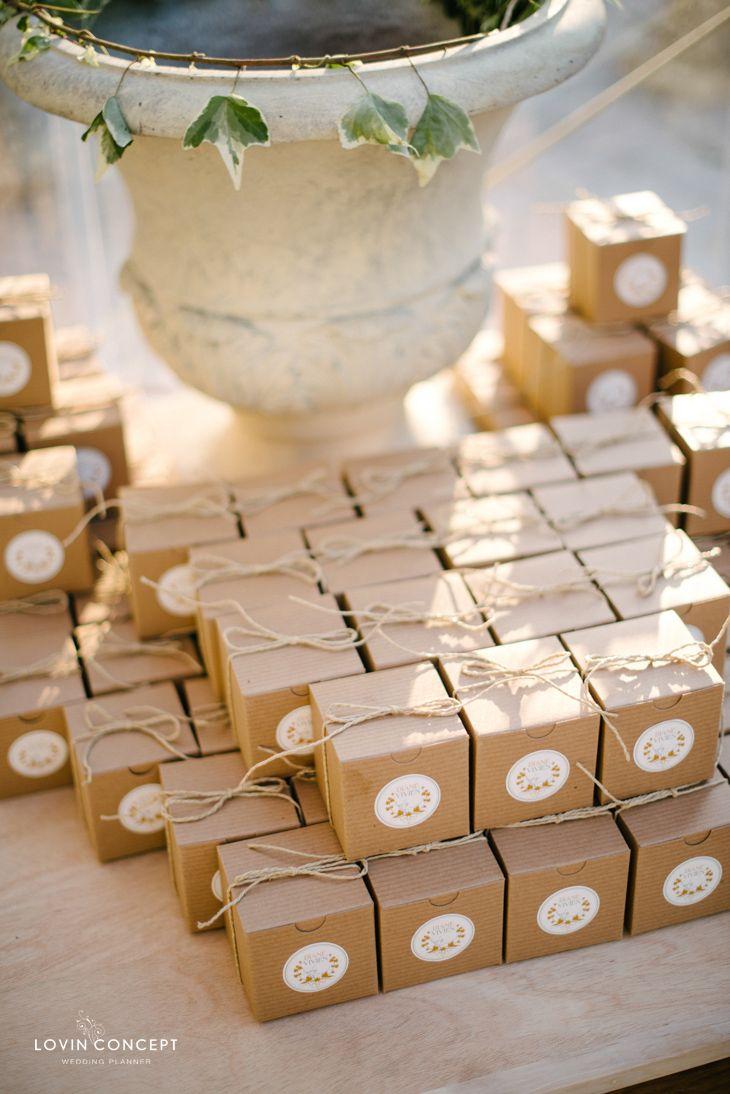 cadeaux d 39 invit s sweet macaron gifts en 2019. Black Bedroom Furniture Sets. Home Design Ideas