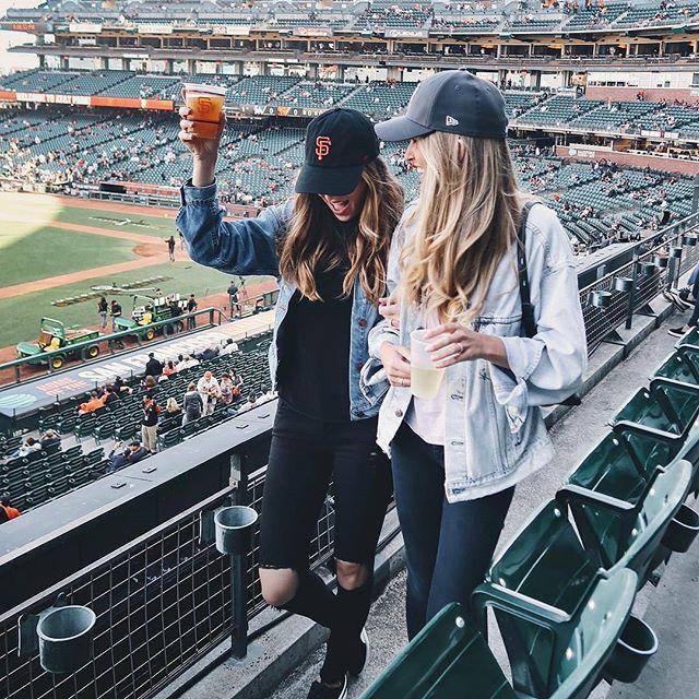 Tag your BFF.👯 credit @nicholeciotti @jenkay #americanstyle #bff #bffs #bestfriend #bestfriends #bestie #besties #sister #sisters