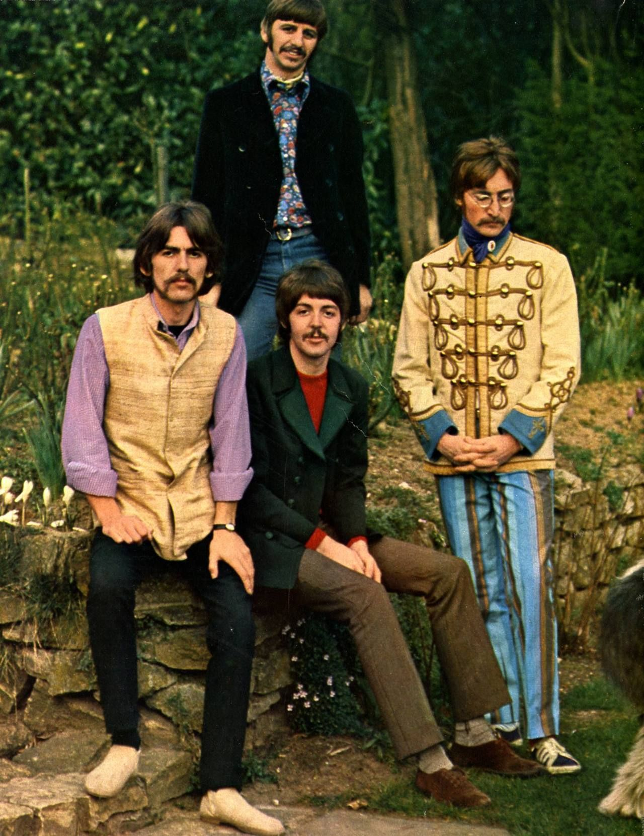 Is For The Good Times — electripipedream: The Beatles, 1967   Beatles  fashion, The beatles, Beatles love