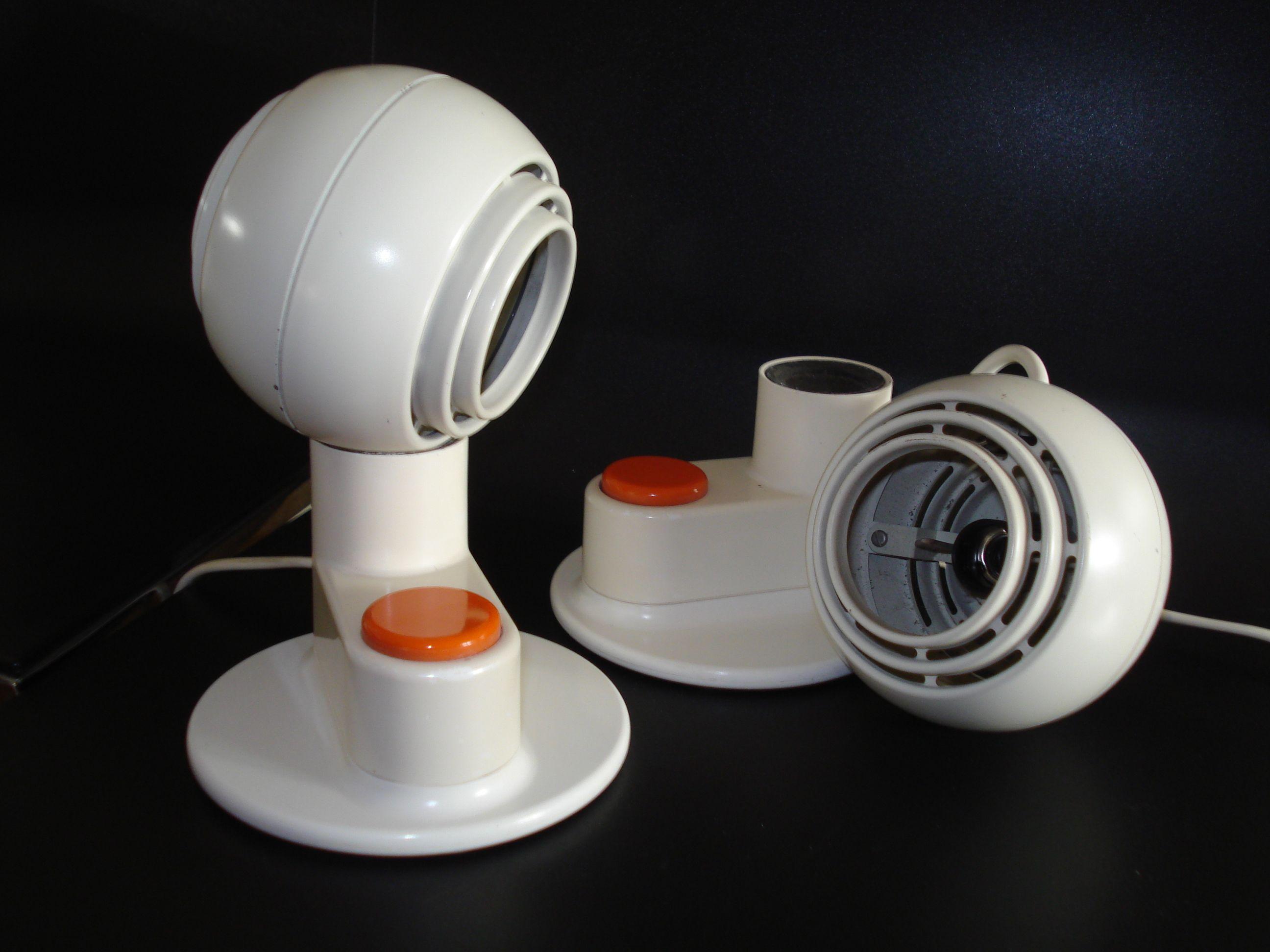 Lámpara fabricada por Osram en el año 1970,   creada por el conocido equipo   de diseño Schulte- Schlagheck.  made in Germany - Mundo Beat - Hernán Aiello - Beto Papo