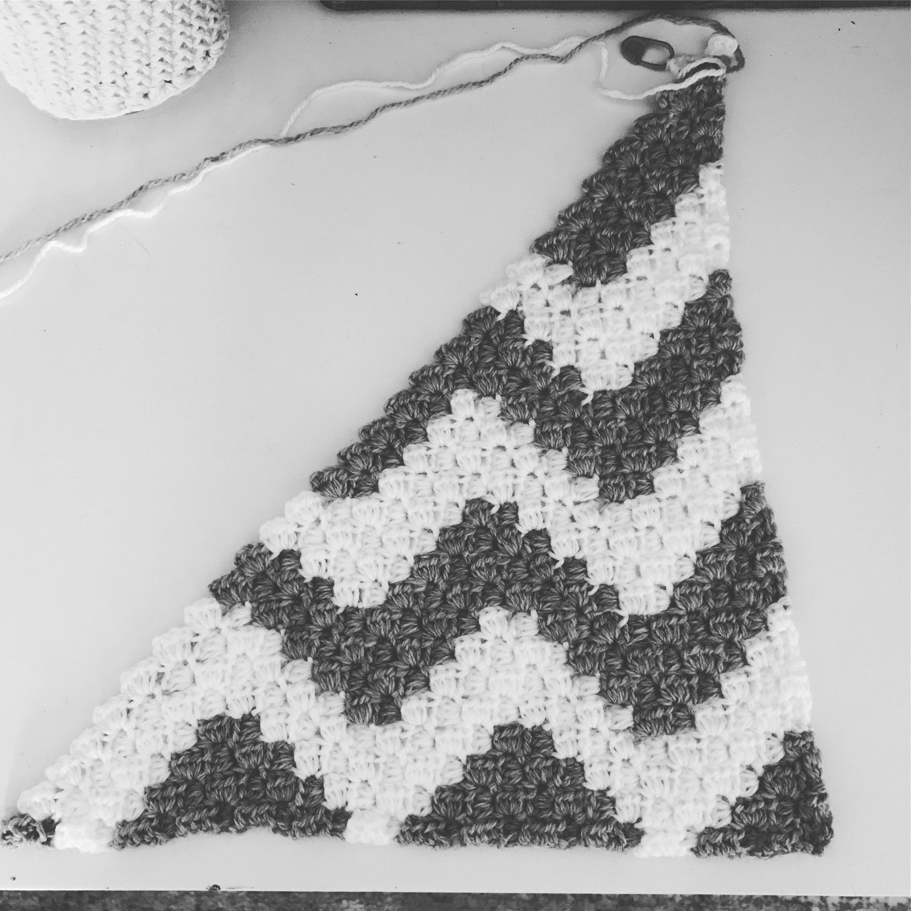 Chevron C2C blanket 1 | Crochet.Charted | Pinterest