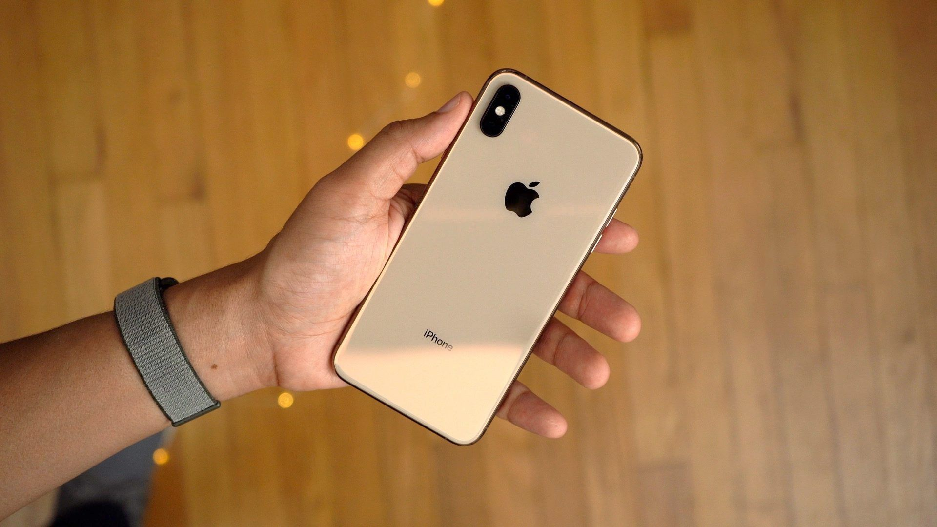 9to5rewards win a gold iphone xs max from zendure iphone
