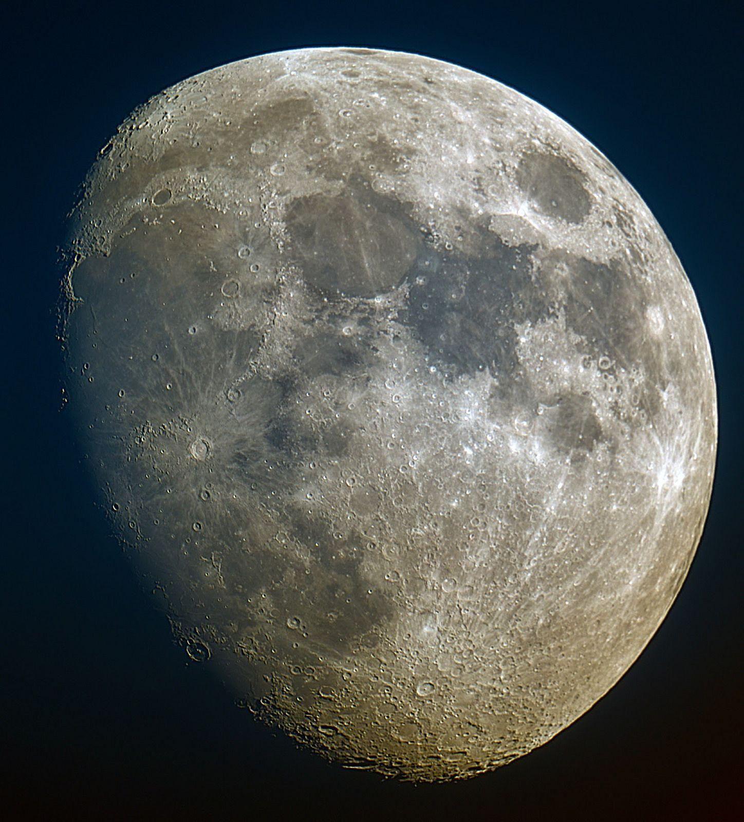 Luna - 2015-04-29 19:24z
