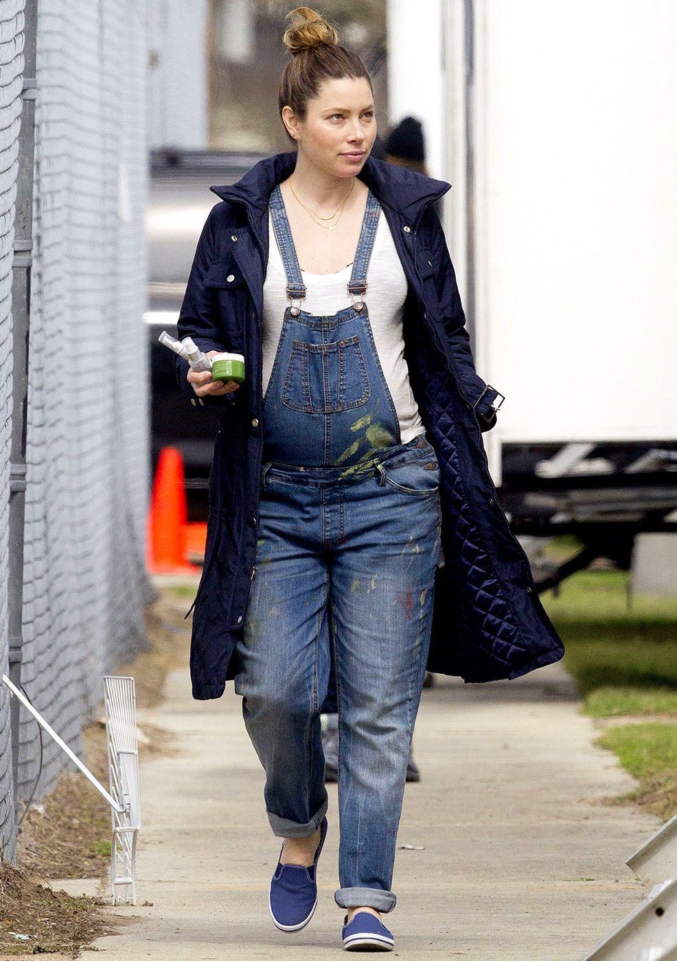 Stylish Mama! Jessica Biel Looks Fab in Maternity Overalls ...