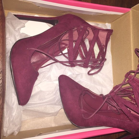 BRAND NEW HEELS! NEVER worn! Size 6. Charlotte Russe Shoes Heels