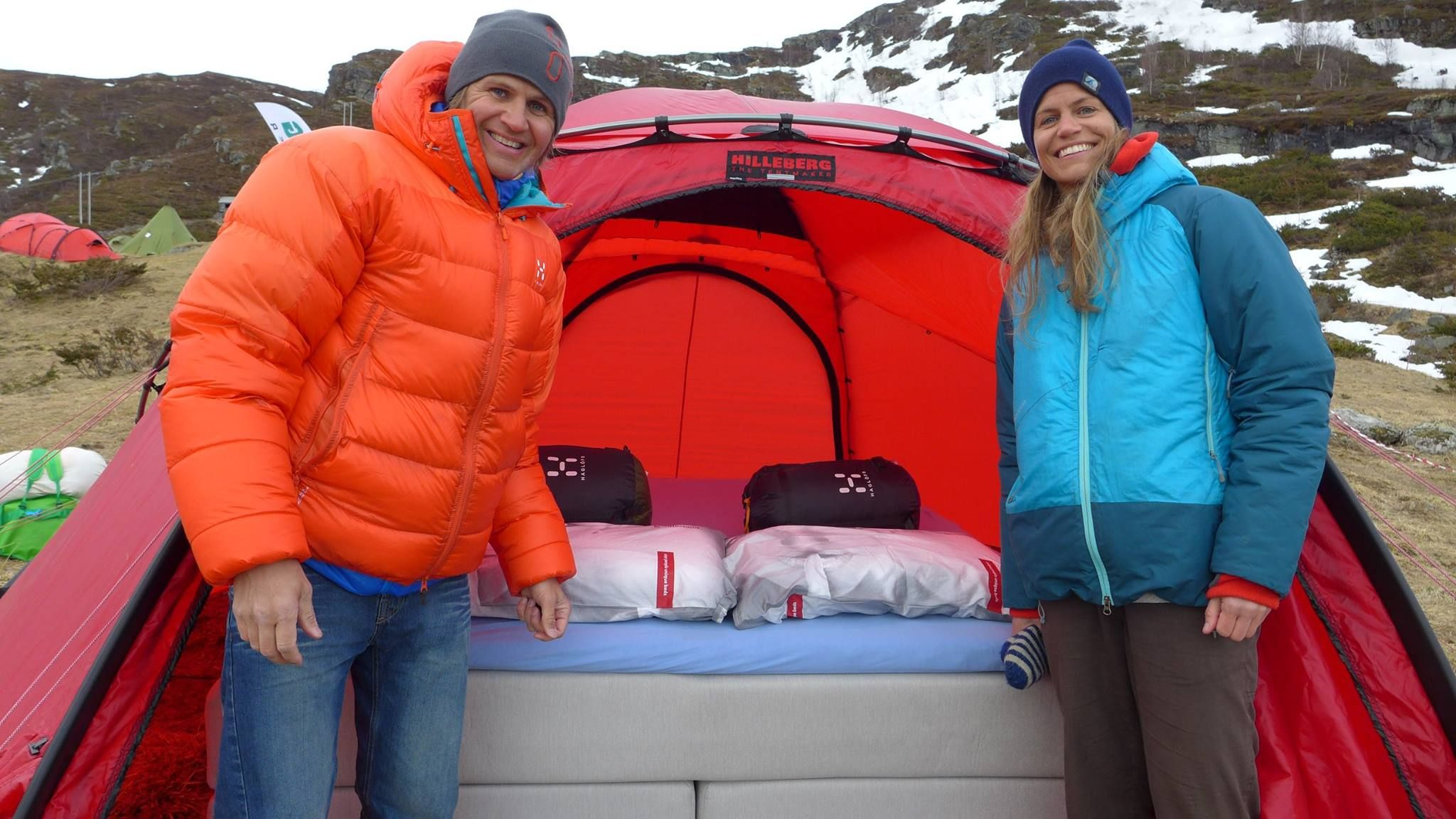 Wonderland beds setting up the tent with our bed at High Camp Turtagrø. Active people need a good sleep :)
