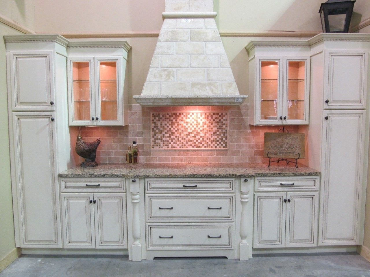 Tru Wood Huntington Bavarian Creme W Russet Glaze Home Kitchen Remodel Kitchen Wall Cabinets