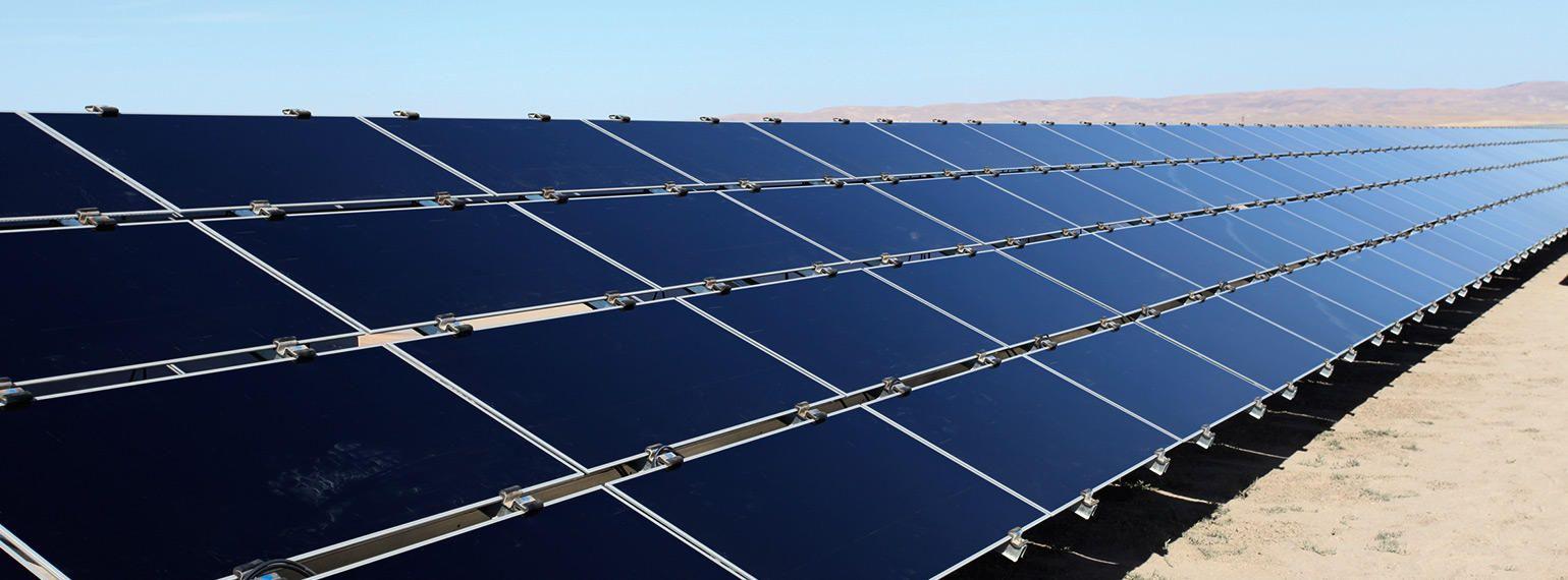 Rocky Mountain Power Pledges To Reduce Emissions Solar Clean Renewable Energy Solar Farm
