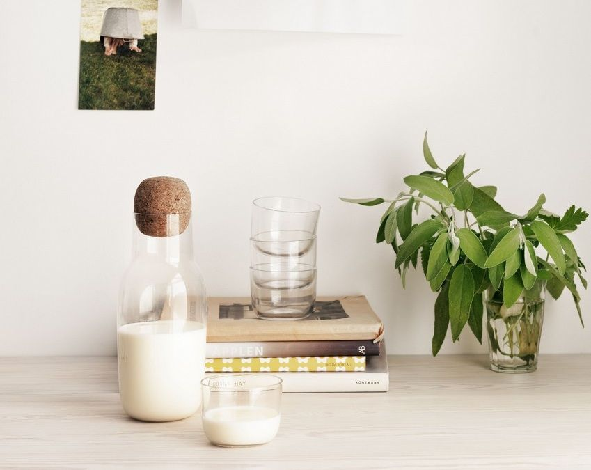 Studio Hanglamp Muuto : Tempo berlin corky karaffe mit gläsern von muuto tempo berlin
