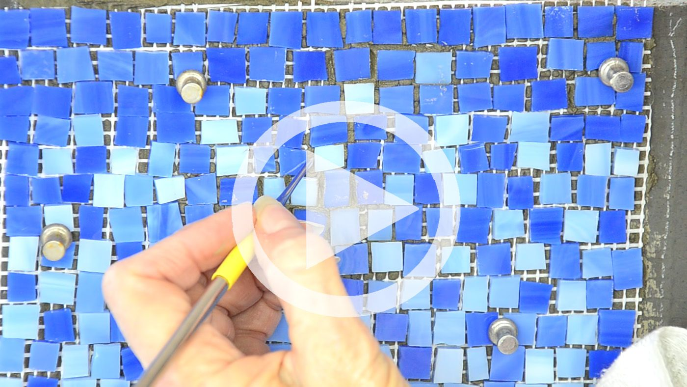 How To Install Mosaics On A Wall I C Mosaics Video Mosaic Mesh Mosaic Projects Easy Mosaic
