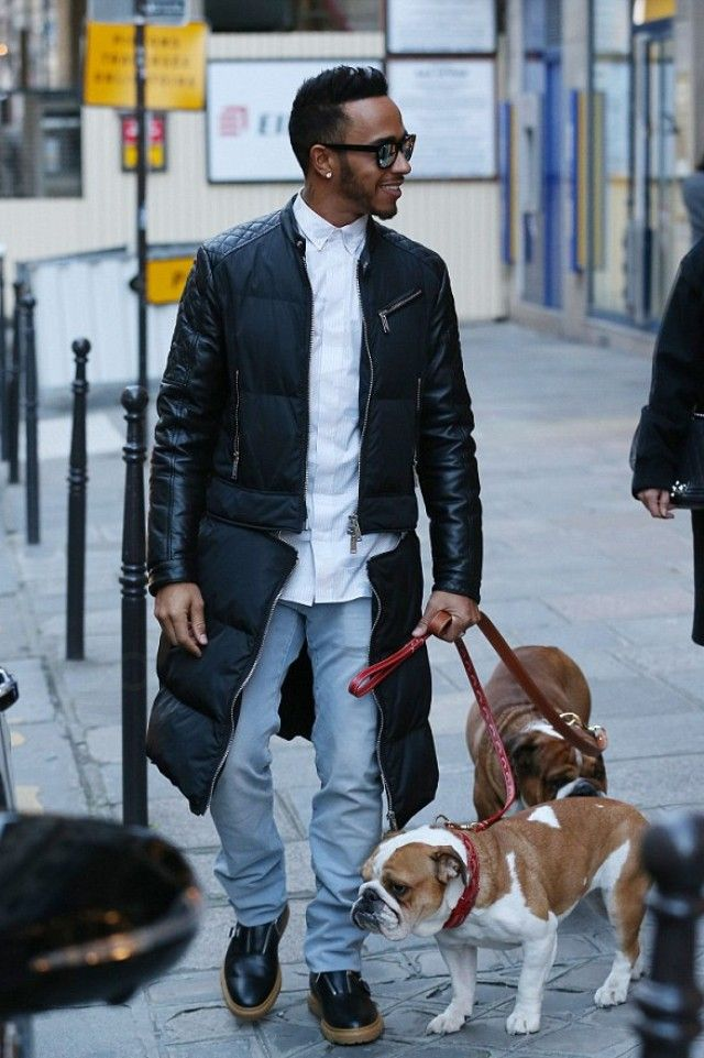 6ba6b638cca5 Lewis Hamilton - Walking with his dogs during the Paris Fashion Week ...